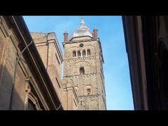 Questo video illustra il campanile della cattedrale di San Pietro che , pochi lo sanno, è un campanile doppio, ovvero con uno vecchio a pianta circolare circondato da uno più recente a pianta quadrata.  Si può salire sulla cima e godere di un indescrivibile panorama della parte storica della città.