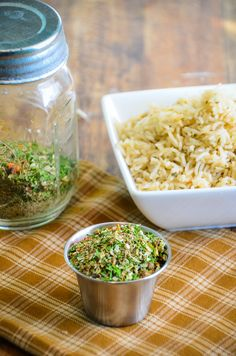 Next time you cook rice add some flavor! Homemade Rice Seasoning Mix turns boring rice into a quick and easy side dish. Rice becomes a quick and easy side-dish when this Homemade Rice Seasoning Mix is added. Homemade Spices, Homemade Seasonings, Brown Rice Seasoning, Wild Rice Seasoning Recipe, Seasoned Rice Recipes, Brown Rice Cooking, Cooking Recipes, Healthy Recipes, Cooking Icon