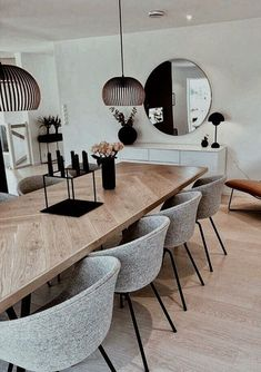 Alberto Pinto Interior Design You are in the right place about neutral Dining Room Decor Here we off Dining Room Table Decor, Wooden Dining Tables, Dining Room Design, Dining Chairs, Dinning Room Lights, Dinning Room Ideas, Dining Room Colors, Design Table, Design Kitchen