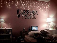 Image via We Heart It https://weheartit.com/entry/176312073 #inspiration #light #room #tumblr #selfmade