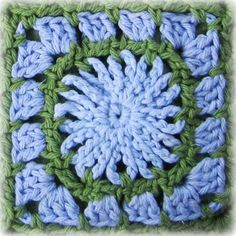 Mr. Micawber's Recipe for Happiness: Chicory Square Block and Bag ~ a Fully Charted Free Crochet Pattern  ✿⊱╮Teresa Restegui http://www.pinterest.com/teretegui/✿⊱╮