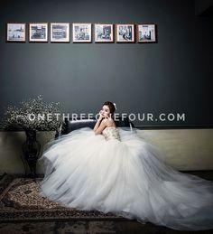 Korean Pre-wedding Photography: Metal by Kuho Studio on OneThreeOneFour 1