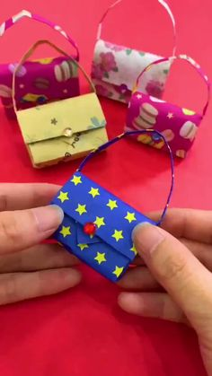 Easy kids craft ideas with paper, you can teach your baby ♥ :-O :-D easy crafts for kids videos 9 Lovely Paper Crafts - DIY Craft Ideas Instruções Origami, Paper Crafts Origami, Paper Crafts For Kids, Easy Crafts For Kids, Diy Paper, Paper Crafting, Paper Art, Origami Videos, Origami Bookmark