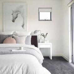 White Carpet Party - - - Shag Carpet Ideas - Blue Carpet Photo - Carpet For Living Room Ideas Dark Grey Carpet Bedroom, Dark Carpet, White Carpet, Bedroom Carpet, Home Bedroom, Bedroom Decor, Buy Carpet, Green Carpet, Cheap Carpet