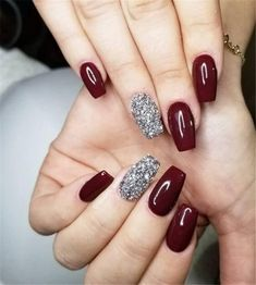 22 totally classy nail designs to rock this winter 2019 .- 22 total noble Nageldesigns, um diesen Winter 2019 zu rocken – Mode Und Outfit Trends 22 totally classy nail designs to rock this winter 2019 - Classy Nails, Stylish Nails, Trendy Nails, Simple Nails, Maroon Nail Designs, Classy Nail Designs, New Years Nail Designs, Pretty Nail Designs, Prom Nails