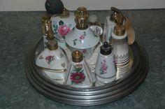 Porseleinen parfumflesjes