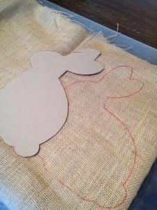 Last Minute Burlap Bunny Project - Sow & DipityLast Minute Burlap Bunny Project - Would be cute template for bunny on flag . Add poufy tail and a Minute Burlap Bunny ProjectThis burlap bunny can be made in less than 30 minutes. Bunny Crafts, Easter Crafts, Rabbit Crafts, Spring Crafts, Holiday Crafts, Diy Osterschmuck, Diy Ostern, Easter Projects, Easter Ideas