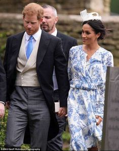 Prince Harry and Meghan Markle wear co-ordinating outfits to the wedding of Princess Diana's niece Harry Et Meghan, Meghan Markle Prince Harry, Prince Harry And Megan, Prince Henry, Princess Diana Niece, Princess Meghan, Windsor, Harry Wedding, Prinz Charles