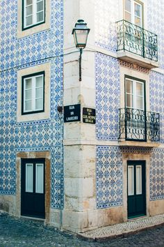 lisbon tile buildings