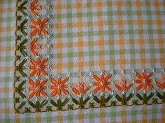 Dilvarosa: broderie suisse, tovaglietta Hardanger Embroidery, Hand Embroidery Stitches, Embroidery Patterns, Cross Stitch Patterns, Chicken Scratch Patterns, Chicken Scratch Embroidery, Bordado Tipo Chicken Scratch, Sewing Crafts, Sewing Projects