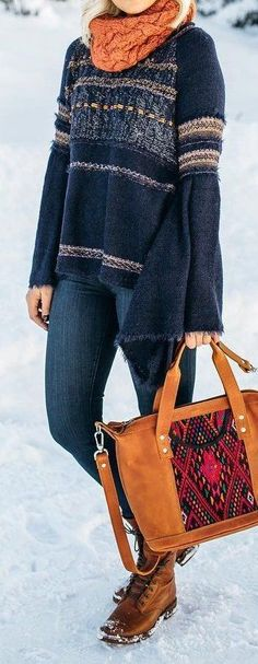 fall outfit ideas / bell sleeve sweater + aztec print