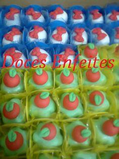 Festa Branca de Neve (doces fondados com modelagem) Encomendas:(21) 2652-6583 www.docesenfeites.blogspot.com