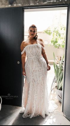 Home - Studio Levana - Couture Wedding Gowns Plus Size Wedding Gowns, Evening Dresses For Weddings, Best Wedding Dresses, Lace Wedding, Different Wedding Dress Styles, Plus Size Bridal Dresses, Plus Size Brides, Modest Wedding, Wedding Attire