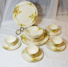 Edwin M. KNOWLES China Co  20 piece 4 place setting by gleaned
