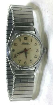 Vintage Clocks, Watches, Silver, Accessories, Wristwatches, Midcentury Clocks, Clocks, Money, Jewelry Accessories