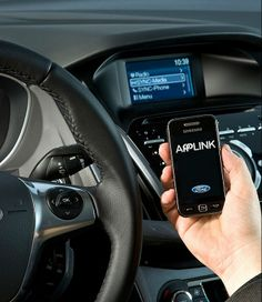 """""""Tecnológicas y automovilísticas tenemos que trabajar juntas para ofrecer experiencias en el coche"""" - Hoja de router."""