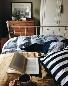 Katharina On Instagram Zweites Kapitel Henry James Zweite Tasse Kaffee Sundaze Nevernotreading Butfirstcoffee Stillinbed Greenwalls