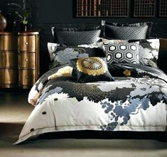 Luxury Bedding Designs – unique-homedesign Alex Perry, Linen Bedroom, Linen Bedding, Bedding Sets, Bedroom Decor, Master Bedroom, Duvet Cover Design, Home Decor Online, Black Bedding