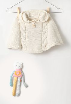 Model baby clothes - poncho with hood Crochet Baby Sweaters, Knitted Hats, Knitting For Kids, Baby Knitting, Tricot Baby, Diy Cape, Baby L, Hooded Poncho, Clothes