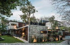 "1,085 Me gusta, 8 comentarios - Josué Hotema (@contemporaryhomes) en Instagram: ""Contemporary Mexican Architecture Firms You Should Know. @difrenna.arquitectos Be inspired by…"""