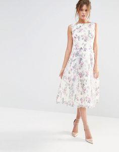 Image 4 of Chi Chi London Decadent Satin Midi Dress in Allover Floral Print  Kleider, fb45393faf