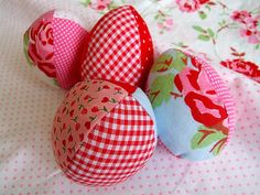 pretty Easter eggs from fabric