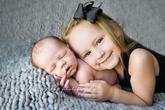 Caralee Case Photography. Newborn Infant Baby PHotographer. Sibling and Newborn Photo Pose.