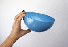 "Vintage Turquoise Blue Finel Enameled Steel Bowl Medium 6.26"" Wartsila Finel Finland Kaj Franck Scandinavian Serving Mixing Bowl 220016 by TheLionsDenStudio on Etsy"