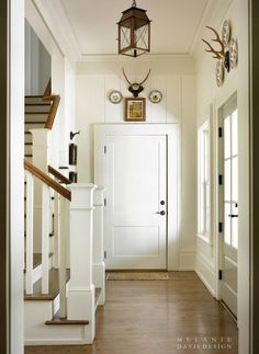 cream and home design house design Design Entrée, House Design, Design Ideas, Design Room, Sweet Home, Entry Hallway, Entryway Stairs, Cottage Hallway, Hallway Paint