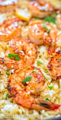 Very easy to make, yet unbelievably delicious, this One Pot Orzo with Shrimp and Feta is worthy of a special occasion!COM (Butter Shrimp Families) Fish Recipes, Seafood Recipes, Pasta Recipes, Dinner Recipes, Cooking Recipes, Healthy Recipes, Recipes With Shrimp, Healthy Meals For One, Flour Recipes