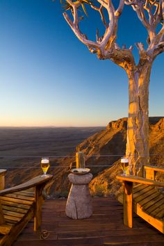 🇳🇦This is the only lodge situated directly on the rim of Namibia's Fish River Canyon, the world's second largest canyon and with access down into the heart of the canyon. Travel News, Travel Guide, River Lodge, Plan Your Trip, Lodges, Fish, World, Heart, Plants