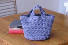 シンプル丸底バッグの作り方 編み物 編み物・手芸・ソーイング アトリエ 手芸レシピ16,000件!みんなで作る手芸やハンドメイド作品、雑貨の作り方ポータル