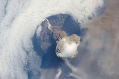 Sarychev volcano (Russia's Kuril Islands, northeast of Japan) in an early stage of eruption as seen from the International Space Station Volcan Eruption, Kuril Islands, Erupting Volcano, Volcano Ash, Dramatic Photos, Nasa Images, Nasa Pictures, Random Pictures, Universe Today