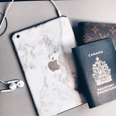 Packing their travel essentials including our marble iPad ✈️   www.uniqfind.com   #ipad #uniqfind