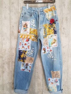 "Apcycled 'S' Jean's 'Vintage' 'Vintage' '' '' '' '' '' '' '' '' '' '' '' '' '' '.- Apcycled 'S' Jean's 'Vintage' 'Vintage' "" "" "" "" "" "" "" "" "" "" "" "" "" "" "" "" Boyfriend Jeans – France Bouton Fly ( Vintage Jeans 'Damenjeans' Lee Vintage Denim Vintage – Vintage Jeans, Jean Vintage, Vintage Outfits, Look Vintage, Unique Vintage, Fashion Vintage, Vintage Woman, Vintage Stuff, Diy Clothes Vintage"