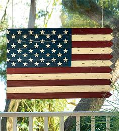 Wooden American Flag....i wanna make this!! @Katie Schmeltzer Schmeltzer Schmeltzer Schmeltzer Schmeltzer- lets have a craft day!