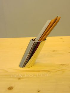 100% Design: Pen holder by Australian designers Daniel To and Emma Aiston (also known as DE)