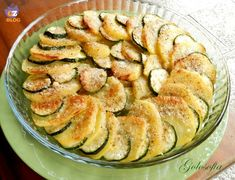 Potatoes and zucchini au gratin Potato Recipes, Veggie Recipes, Vegetarian Recipes, Healthy Recipes, Antipasto, Italy Food, Cooking Chef, Home Food, Vegetable Dishes