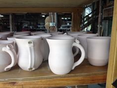 Great Idea - How To Make Mugs All The Same Size! #Pottery #ceramics #tools