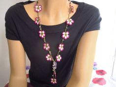 flower necklace, pink, white, crochet. $25,00, via Etsy.