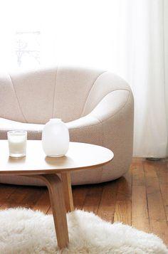 pumpkin / Pierre Paulin love the look Chaise Sofa, Sofa Chair, Eames, Deco Paris, Colani, Ligne Roset, Corner Chair, Piece A Vivre, Living Room Remodel