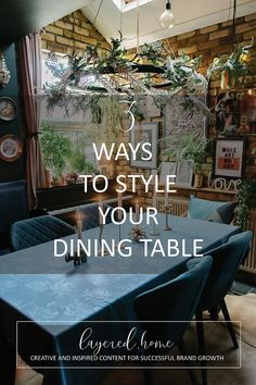 3-ways-style-dining-table Diy Projects On A Budget, Easy Diy Projects, Green Lounge, Jungle Bedroom, Blue Tablecloth, Dark Blue Living Room, Geometric Cushions, Dark Blue Green, Black Garden