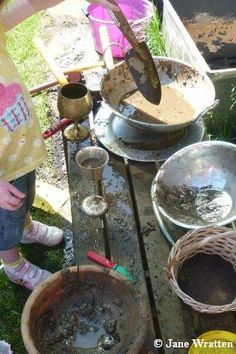 Excellent step by step guide to making a Mud kitchen for Early years settings.