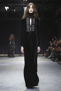 Veronique Branquinho Fashion Show Ready To Wear Collection Fall Winter 2016 in Paris