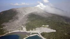 May 29, 2015, 2:45 PM Volcano erupts in Japan, spewing ash miles high