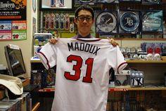 【大阪店】2014.10.26 日米野球にいかれると時用にマダックス選手のユニフォームをお買い上げ頂きました!!本当にMLBに詳しくて、色々なお話しをさせて頂きました!!また遊びに来てくださいね!待ってますね^^