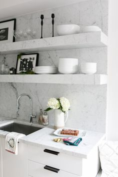 modern marble and wh