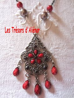 """Sautoir Style """"Oriental"""" Dans les Tons Rouge/Argenté : Collier par les-tresors-d-alienor"""