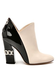 Kanyget fashions - Chanel Boots - Trending Chanel Boots for sales. Fab Shoes, Unique Shoes, Pretty Shoes, Beautiful Shoes, Cute Shoes, Me Too Shoes, Shoes Heels, Footwear Shoes, Shoes Sneakers