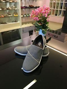 Elástico com lycra que se ajusta perfeitamente aos pés #koquini #comfortshoes #euquero #marinamello Compre Online: http://koqu.in/1Phhpvu